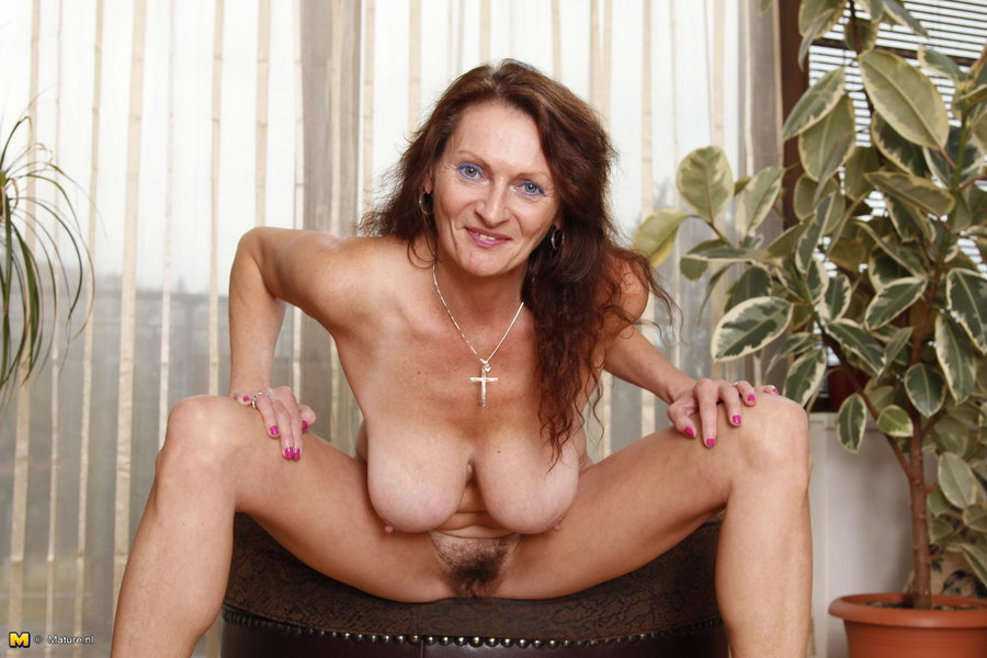 Mature sex models
