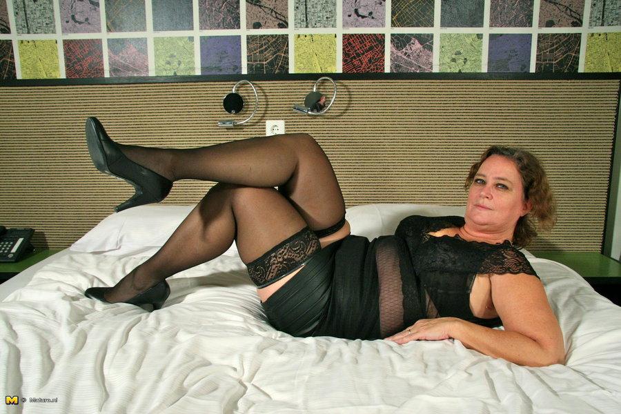 Dutch Bbw Porn - Naughty Dutch BBW getting ready for bedtime
