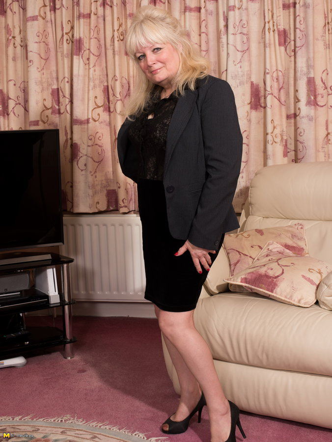 Busty British Mature Hd