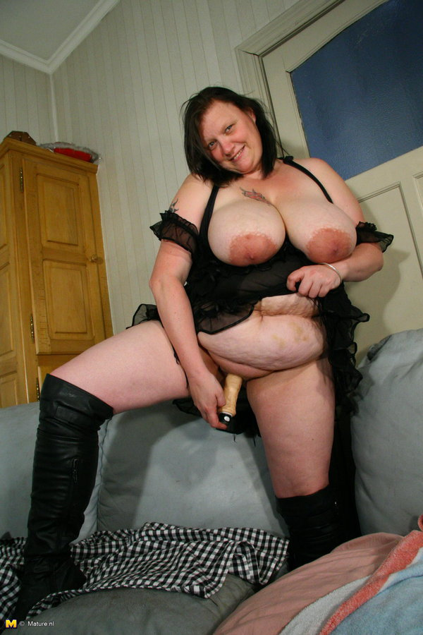 Mature pussy Xl