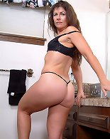 MILF Plumper From Hungary Has Hot To Show
