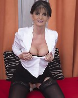 Amateur mature porn casting along milf in heats