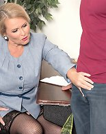 Chubby milf tries a tasty dick while at the office